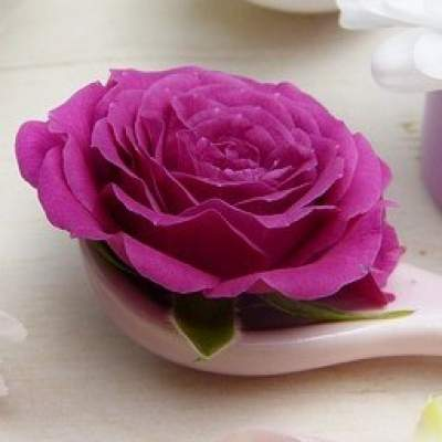Benefits of rose oil